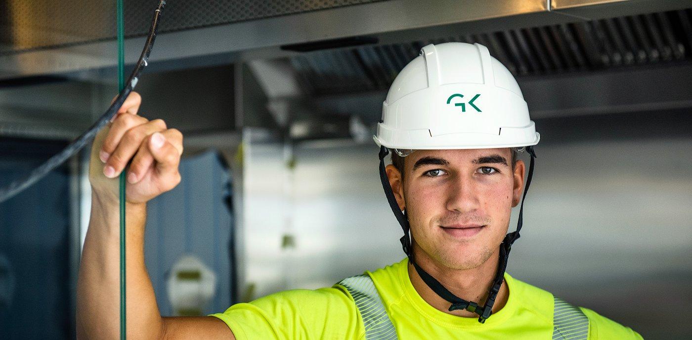 Erik Tobias Lundberg jobber som elektriker i GK Norge