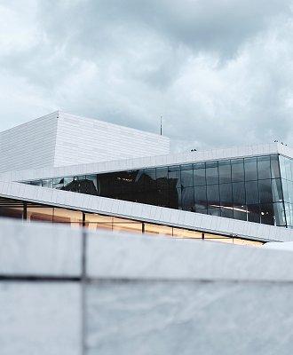 Et signalbygg i Oslo som tusenvis av mennesker besøker hverdag. Vi har nå service på Den Norske Opera og ballett.