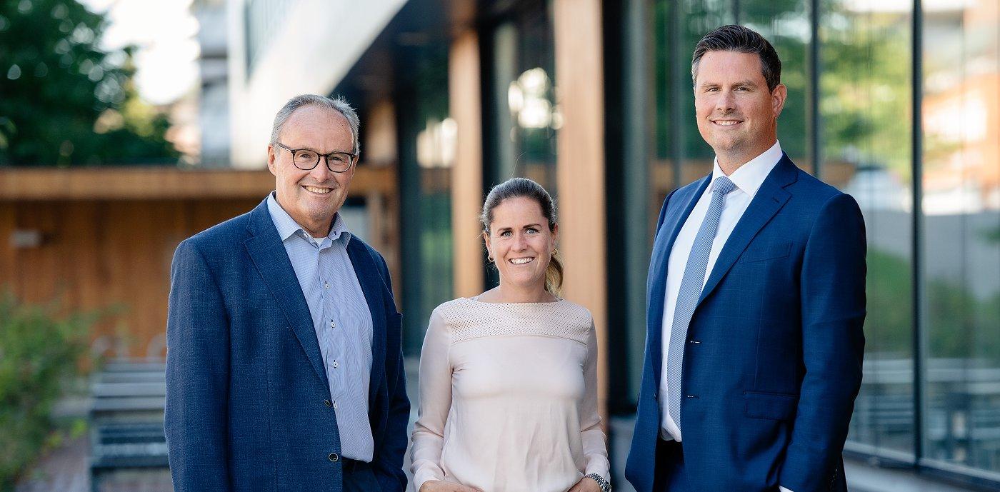 Andre og tredje generasjon: John-Erik Karlsen, Elizabeth Karlsen og Christopher Karlsen