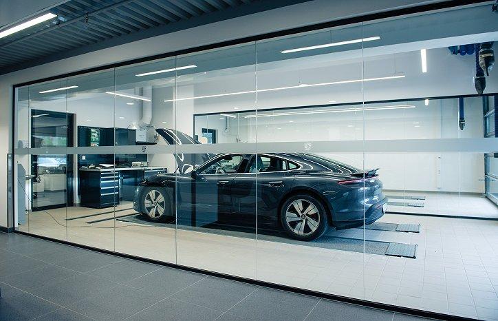 GK har tverrfaglig rammeavtale på service med Porsche, og ble tidlig involvert. Byggmester Neteland er hovedentreprenør, mens GK tar seg av alle tekniske fag, inkludert prosjektering.