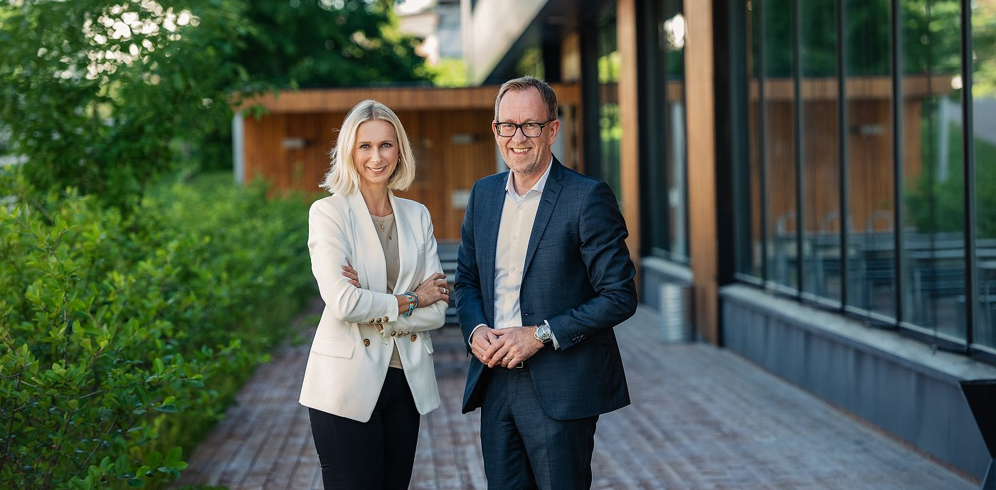 Konserndirektør kommunikasjon og bærekraft Guro Steine og konsernsjef Kim Robert Lisø